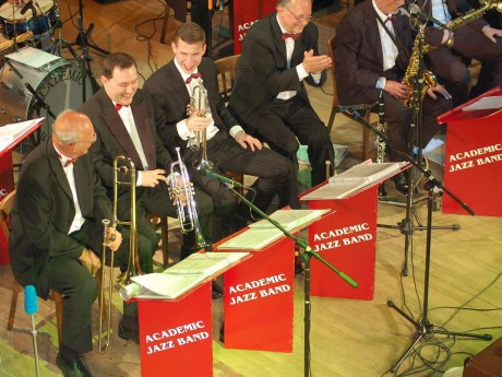 5249035-prerov-academic-jazz-band_denik-1024
